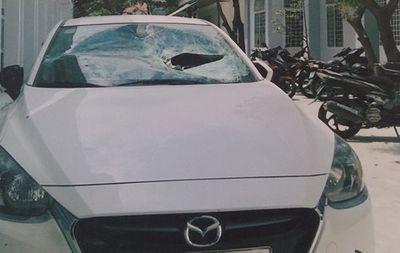 Khởi tố 3 đối tượng nghi chém người, phá xe để trả thù - ảnh 1