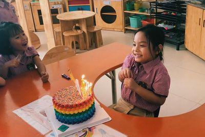 Phạm Quỳnh Anh - Quang Huy rạng rỡ hội ngộ trong sinh nhật con gái Bella - ảnh 1