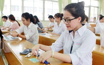 Gần 100% thí sinh toàn quốc đậu tốt nghiệp THPT năm 2018 dù đề khó - ảnh 1