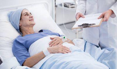 """Giải đáp câu hỏi """"Người bị ung thư phổi có chữa được không?"""" - ảnh 1"""