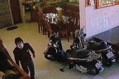 """Lộ thêm 2 kẻ """"giúp sức"""" cho nghi can vụ trộm hơn 8 tỷ đồng ở Vĩnh Long - ảnh 1"""