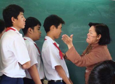 Những vụ giáo viên tát học sinh gây chấn động dư luận  - ảnh 1
