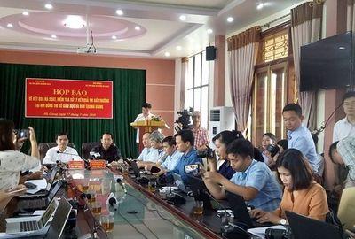 Bỏ chốt điểm chấm thi ở Hà Giang, hai cán bộ thanh tra bị xử lí thế nào? - ảnh 1