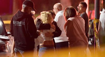 Hiện trường vụ xả súng kinh hoàng quán bar ở Mỹ, ít nhất 12 người thiệt mạng - ảnh 1