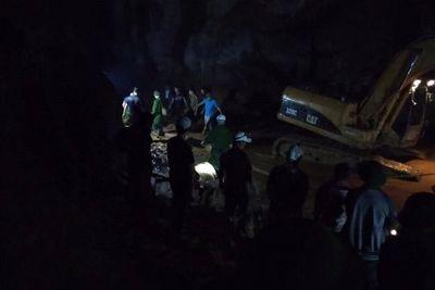Vụ sập hầm vàng tại Hòa Bình: Dự kiến 2 ngày tới sẽ tìm thấy hai phu vàng gặp nạn - ảnh 1