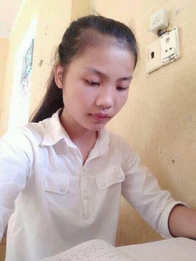 Nữ thủ khoa dân tộc Mường gạt nước mắt từ bỏ giảng đường đại học - ảnh 1