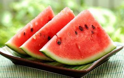 Mách bạn 10 loại thực phẩm giúp chống nắng từ bên trong cơ thể - ảnh 1