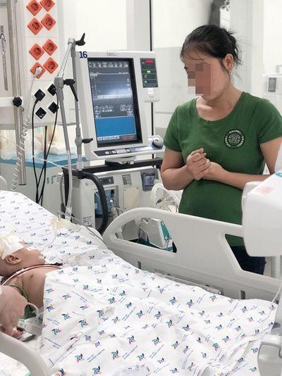 Phòng khám tư chẩn đoán nhầm, bé gái 6 tháng tuổi nguy kịch vì viêm màng não - ảnh 1