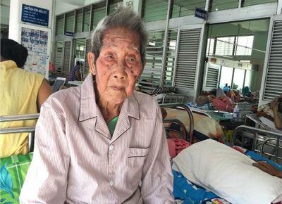 Đặt máy tạo nhịp tim cứu mạng cụ ông 100 tuổi - ảnh 1