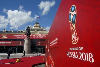Chính phủ Malaysia khó khăn, hãng bay Air Asia ra tay tài trợ mua bản quyền World Cup 2018 - ảnh 1
