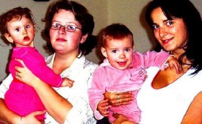 Những trường hợp trao nhầm con hi hữu trên thế giới: Hai gia đình quyết về sống cùng nhau - ảnh 1
