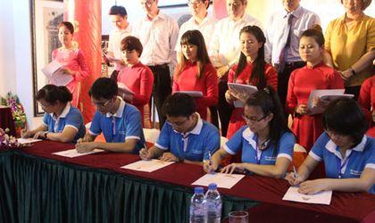 Giáo dục - 132 thủ khoa xuất sắc ghi danh Sổ vàng tại Văn Miếu