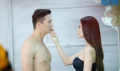 Âm nhạc - Clip: Hoàng Anh nude trước mặt Trương Quỳnh Anh trong MV ca nhạc