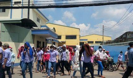 Doanh nghiệp - Bức xúc vì bị trừ tiền đi vệ sinh, 4.000 công nhân nghỉ việc