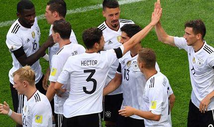 Bóng đá - Nhọc nhằn đánh bại Úc, Đức có 3 điểm ngày ra quân