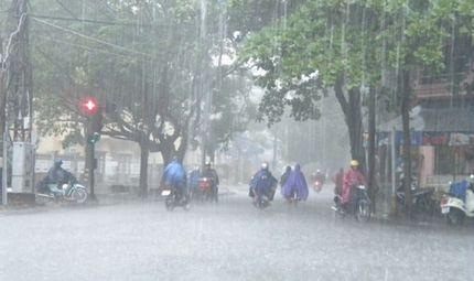Tin trong nước - Dự báo thời tiết ngày 12/9: Hà Nội tiếp tục mưa cả ngày, miền núi đề phòng lũ quét