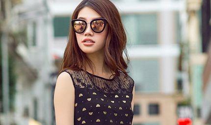 Tin tức giải trí - Hoa hậu Jolie Nguyễn gợi ý mặc đẹp với tông màu trầm ngày đầu thu