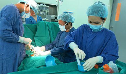 Sức khoẻ - Làm đẹp - Vinmec thực hiện thành công ca ghép tế bài gốc chữa xơ phổi đầu tiên trên thế giới