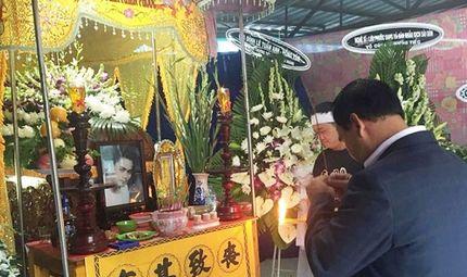 Chuyện làng sao - Quyền Linh, Lê Tuấn Anh về Long An viếng Nguyễn Hoàng