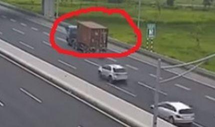 Tin tức - Video: Container chạy lùi trên cao tốc Hà Nội- Hải Phòng