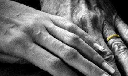 """Đời sống - Lúc tán tỉnh người ta nói: """"Trong tình yêu không quan trọng tuổi tác..."""""""
