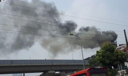 Tin tức - Hà Nội: Quán karaoke 7 tầng cháy dữ dội đã bị đình chỉ từ nhiều tháng trước