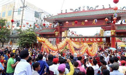 Tin tức - Học sinh Bình Dương được nghỉ học 2 ngày diễn ra lễ hội chùa Bà Thiên Hậu