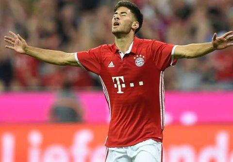 Ozturk lập công giúp Bayern hạ Man City