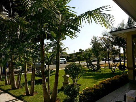 Ngắm nhà ngoại ô xinh xắn của Quang Lê ở Mỹ - Ảnh 2