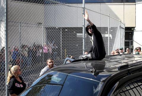 Justin Bieber sẽ bị trục xuất ra khỏi nước Mỹ? - Ảnh 1