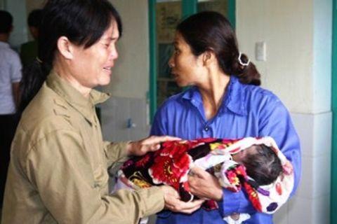 Trẻ tử vong sau khi tiêm chủng: Do nhầm thuốc gây co tử cung - Ảnh 1