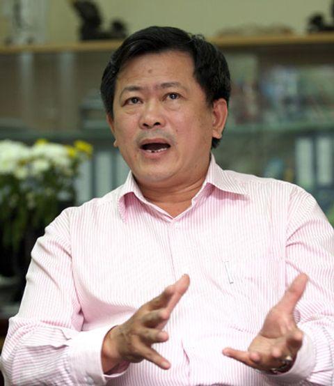 Nhà báo Thu Uyên và ekip xem xét kiện luật sư Trần Đình Triển - Ảnh 1