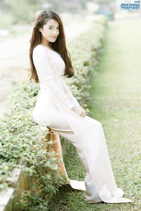 Nhã Phương được báo Hàn Quốc khen xinh đẹp, diễn xuất tốt - Ảnh 10