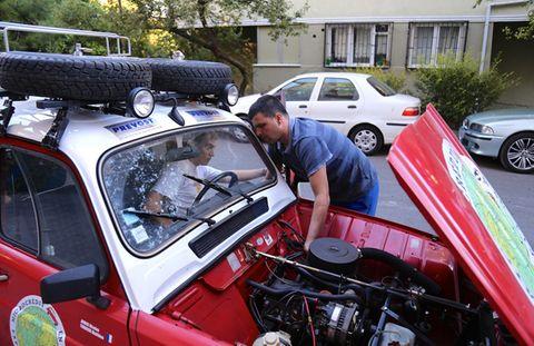 Hai chàng trai Pháp đến Việt Nam trên chiếc Renault 4L - Ảnh 5