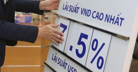 Vay tiền ngân hàng: Đừng chỉ nhìn lãi suất