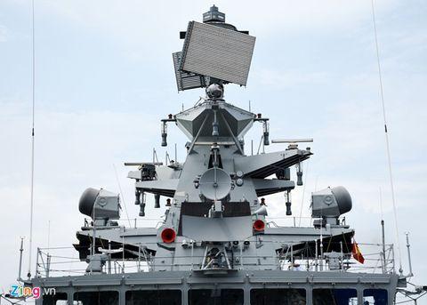 Tàu tàng hình tấn công mặt đất và trên biển hiện đại nhất Ấn Độ cập cảng Đà Nẵng - Ảnh 3