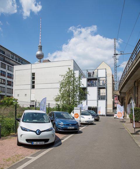 Châu Âu sắp triển khai lắp đặt trạm sạc điện nhanh cho ô tô  - Ảnh 1
