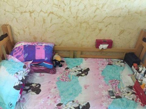 Dân mạng ném đá chiếc giường ngủ luộm thuộm 'như ổ chó' của bà mẹ trẻ - Ảnh 6