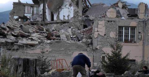 Tin thế giới - 247 người thiệt mạng do động đất ở Ý: Cứu hộ chạy đua với thời gian