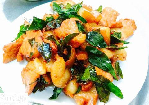 Ăn - Chơi - Cách chế biến món thịt lợn mán xào lá móc mật thơm ngậy
