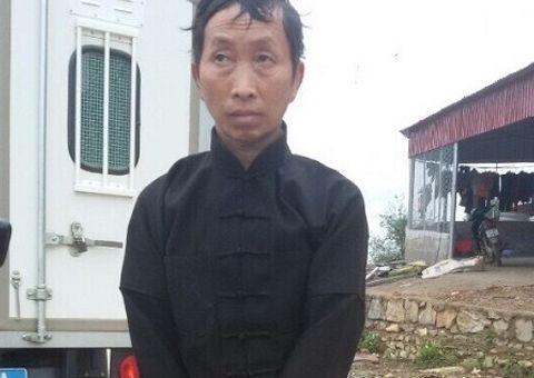 An ninh - Hình sự - Hà Giang: Hai bố con giết người vì bị ném đá khi đang cúng