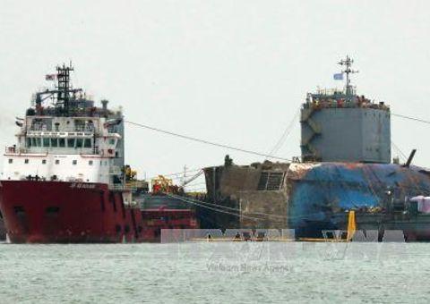 Tin thế giới - Phà Sewol đã được đưa ra khỏi vùng biển gặp nạn