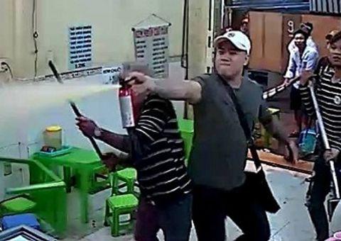 An ninh - Hình sự - Vụ giang hồ đập phá quán kem ở trung tâm Sài Gòn: Bắt giữ 1 nghi can