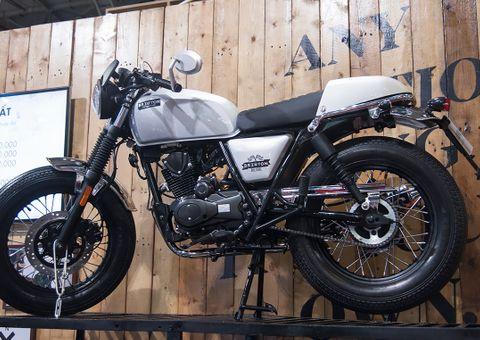 Thế giới Xe - Cận cảnh mẫu xe máy hoài cổ giá 47,9 triệu đồng