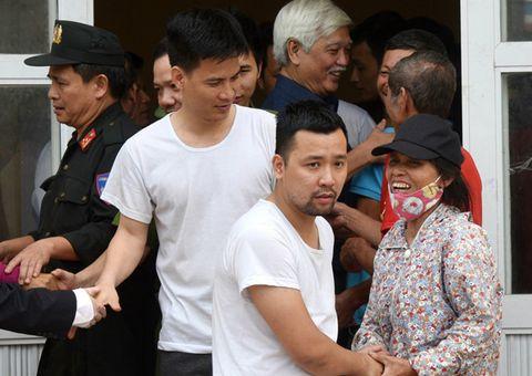 Pháp luật - Vụ bắt người, phá tài sản ở thôn Hoành: Công an Hà Nội kêu gọi đầu thú