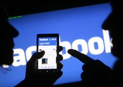 Sau vụ bê bối rò rỉ thông tin, Facebook thắt chặt quản lý dữ liệu người dùng