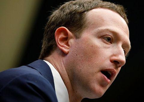 Tin tức - Ông chủ Facebook cũng bị rò rỉ thông tin cá nhân