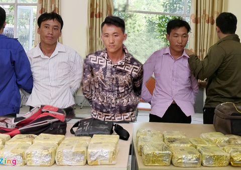 Tin tức - Cảnh sát mai phục, bắt nhóm vận chuyển thuê 25 kg ma túy lấy hơn 200 triệu