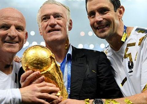 """HLV Deschamps tiết lộ """"điểm mấu chốt"""" giúp Pháp đăng quang World Cup 2018"""