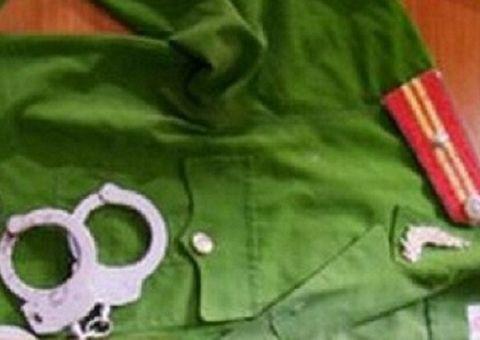 """Tin tức - Điều tra cựu thanh tra giao thông giả danh công an, nhận """"chạy"""" việc"""
